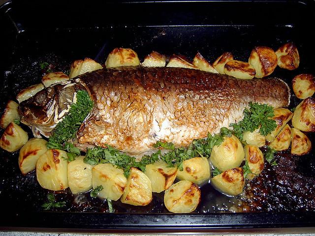 Картофель с рыбой в духовке рецепт с пошаговый